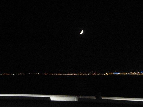 Promenade des Anglais: vista nocturna de la bahia