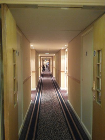 Crowne Plaza London - Kings Cross: Pasillo
