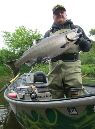 Fishhouse Outdoor Company - Private Day Tours: Spring Chinook Salmon