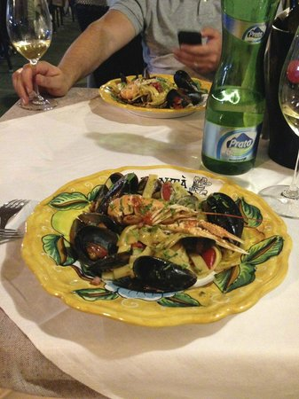 Solaria: Ужин в местном ресторане.