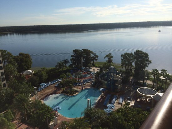 Bay Lake Tower at Disney's Contemporary Resort: Pool area and Baylake from 11th floor balcony