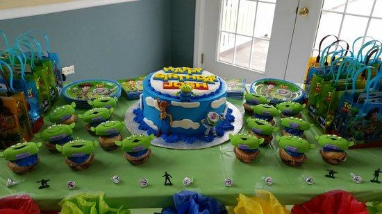 Fedora Cafe: Toy Story Cake
