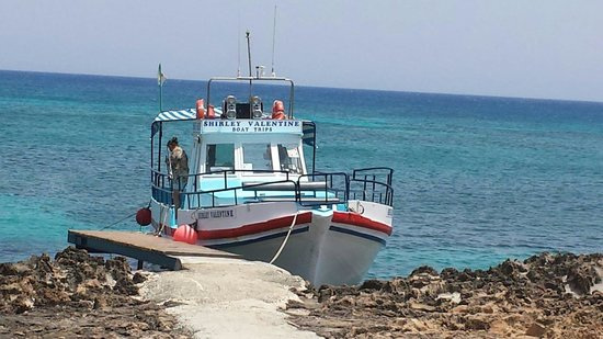 Two Minutes Walk From Blue Spice Cracking Wee Boat Trip Shirley Valentine U20ac5