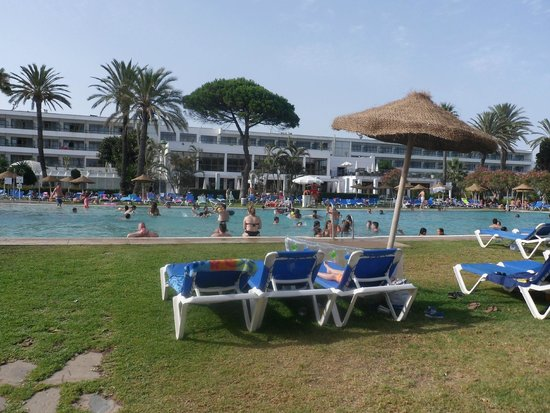 Atalaya Park Hotel: Piscina grande