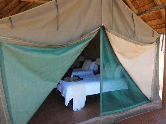 Sausage Tree Safari Camp : Our comfy tent