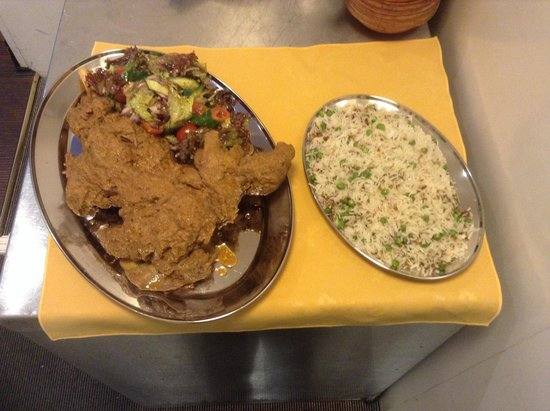 Kurries And Steaks : Dum ka Raan ( whole leg of Lamb cooked for 4 hours )