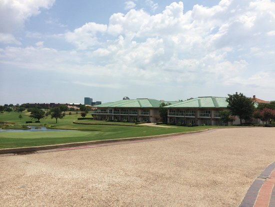 Four Seasons Resort and Club Dallas at Las Colinas : sorroundings