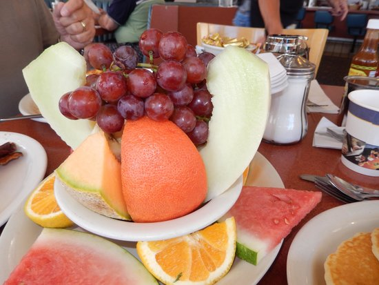 Margie's Diner of Paso Robles: fruit dish