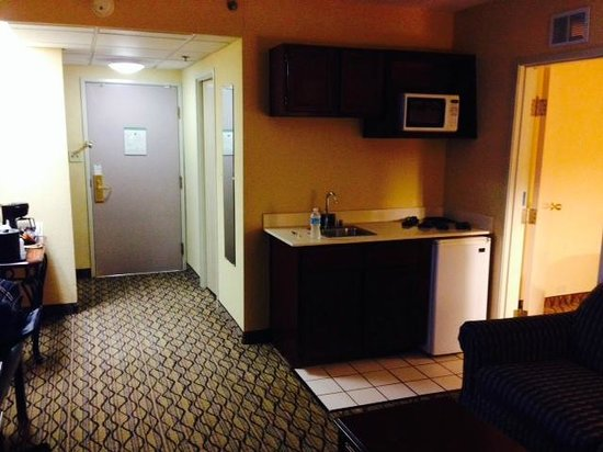 Holiday Inn Chicago Downtown: Small kitchen