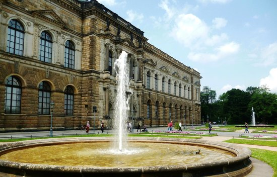 Gemäldegalerie Alte Meister: Дрезденская картинная галерея