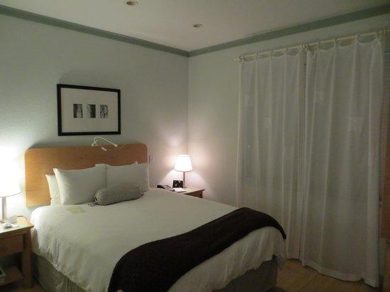 Cadet Hotel : Room