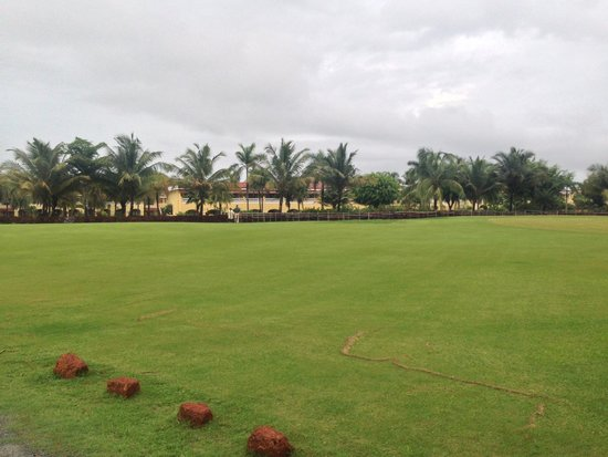 The LaLiT Golf & Spa Resort Goa: Lawn