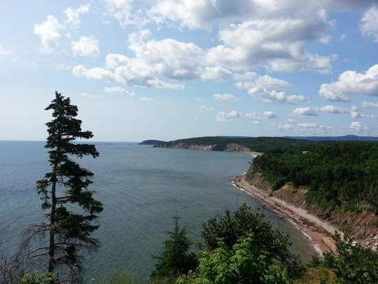 Cape Breton Highlands National Park : Looking south along the east coast
