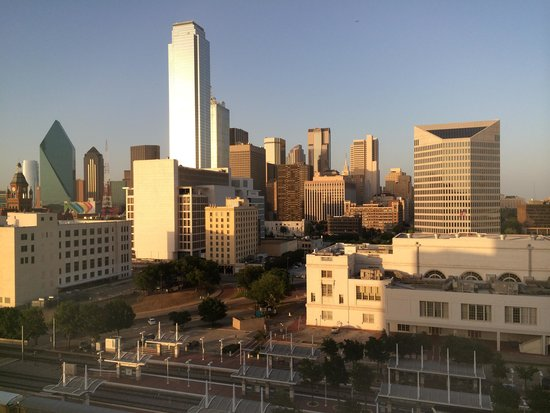 Hyatt Regency Dallas : view from 10th floor hotel room