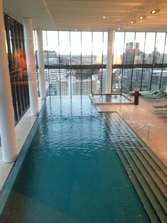 Crown Metropol Melbourne: the pool