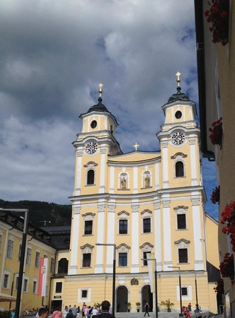 Apartments Wolf Dietrich: Mondsee Church