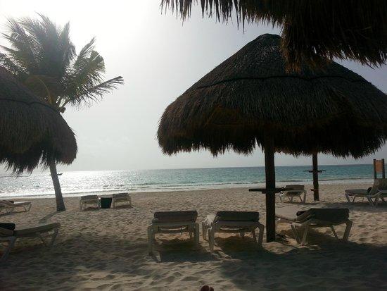 Secrets Maroma Beach Riviera Cancun : Relaxing on the Beach