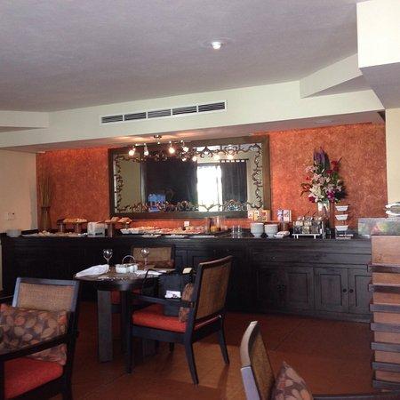 Dreams Riviera Cancun Resort & Spa: Preferred club lounge