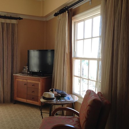 La Valencia Hotel: Comfy Room