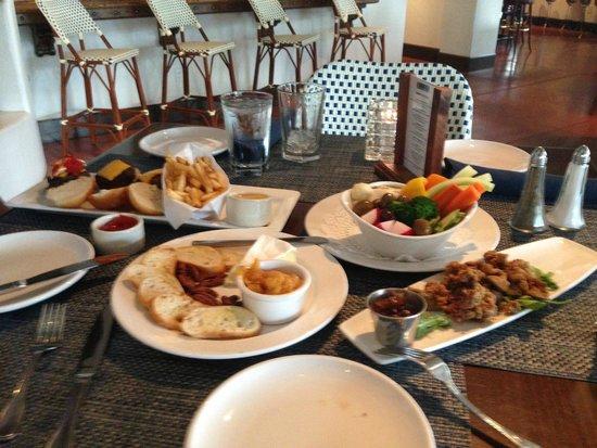 El Chorro: Happy Hour Food!