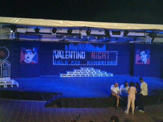 Castellaneta, Italia: In attesa dello spettacolo serale