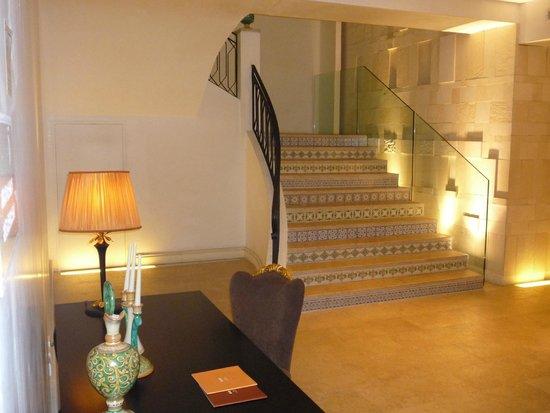 UNA Hotel Palace: Scala che porta alle suites
