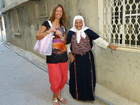 Green Olive Tours: refugee camp AIDA