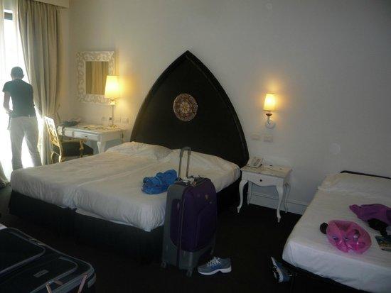 UNA Hotel Palace: Letto matrimoniale