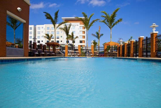 Hyatt Place Ft. Lauderdale Airport & Cruise Port: Pool