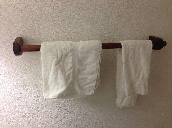 Des Trois Marchands : Le porte serviette bancal