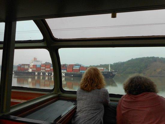Panama Canal Railway Company: Panama Canal from viewing car