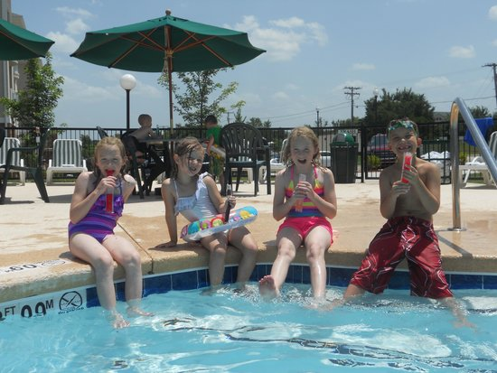 Palace View Resort by Spinnaker: The kids loved the pool!