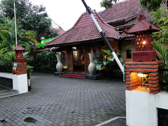 Monginsidi Guest House : Entrée
