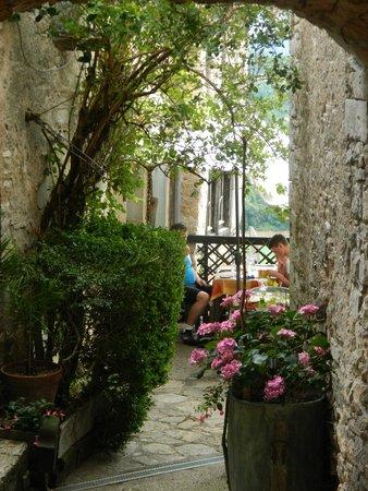 Outdoor Seating Picture Of La Terrasse Romantique Calvignac