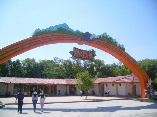 Mundo Granjero & Zoo