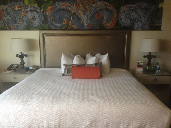 King Bed Picture Of Hotel Indigo New Orleans Garden District New Orleans Tripadvisor