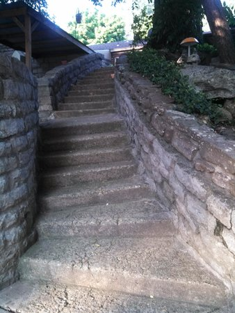 Arthur Murray's Motel: Looking up the stone stairs from the dock