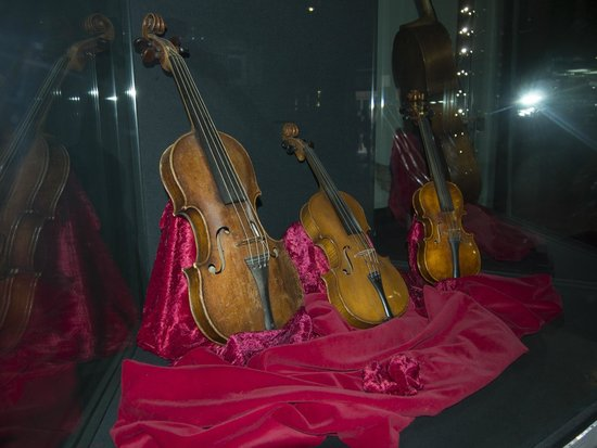 Museo della Musica : Instruments from the 1500s