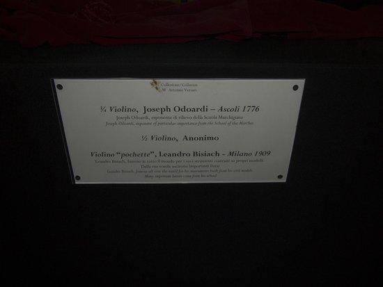 Museo della Musica : Plaques describing the violins.