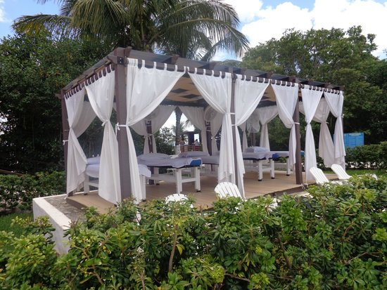 Playa Mia Grand Beach & Water Park: Local de massagens(pago a parte)