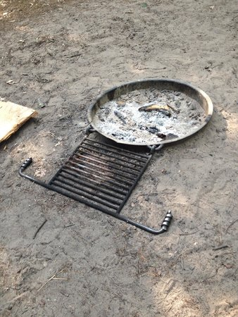 Platte River Campground: Shallow fire pit