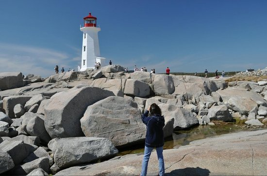 Peggy's Cove Lighthouse: Yes, it is that scenic if you get a sunny day.