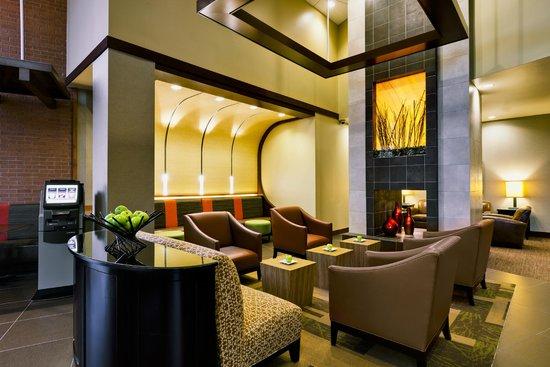 Hyatt Place Garden City: Lobby