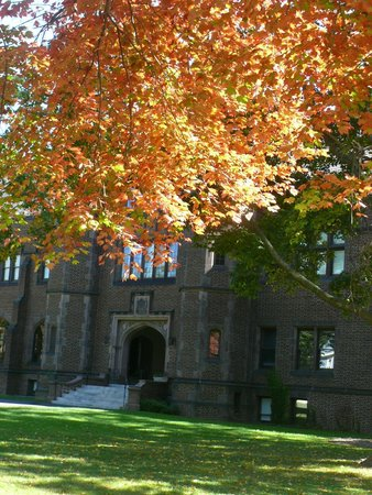 Hotels Near Mount Holyoke College Massachusetts