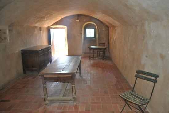 Chateau de Roquebrune-Cap-Martin : Внутреннее помещение замка