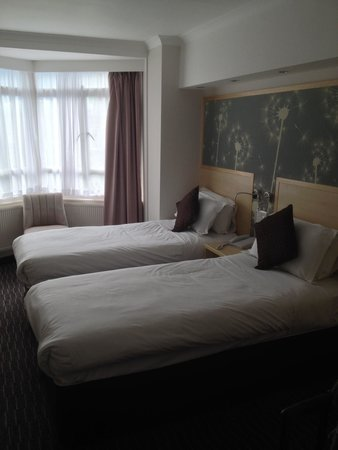 Bedford Hotel: Bed view 1