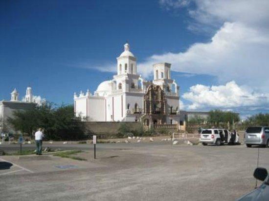 Mission San Xavier del Bac : The White Dove