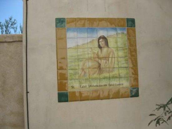 Mission San Xavier del Bac: Tile work