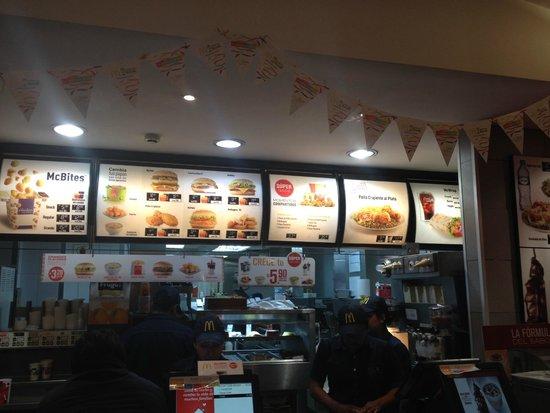 Plaza de Armas (Huacaypata): McDonald's in the Plaza