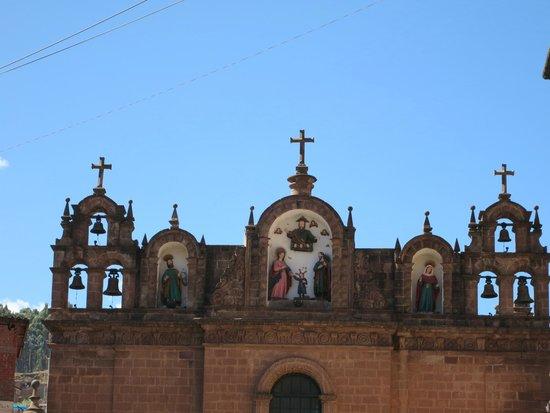 Plaza de Armas (Huacaypata): cathedral statuary